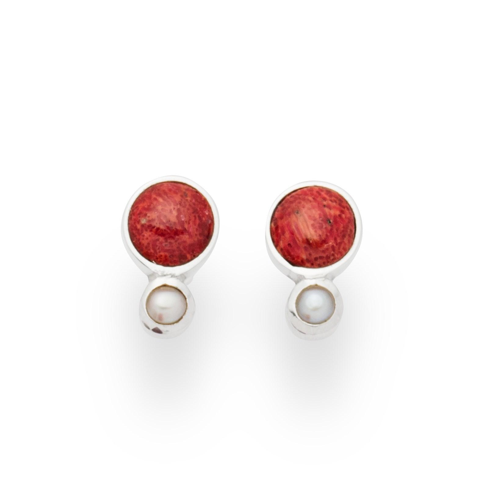 Wunderschöne Ohrringe aus zwei unterschiedlich große Koralle in Kugelform 925er